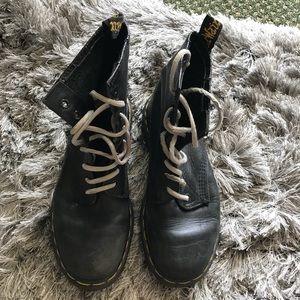 Vintage Dr Martens 8 hole boots US size 7